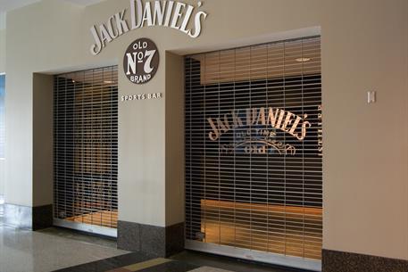 fed-ex-forum-jack-daniles-grilles-5015